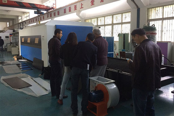 China High Power Metal Laser Cutting Machine , Fiber Cutter Machine Can Cut Doors And Windows supplier